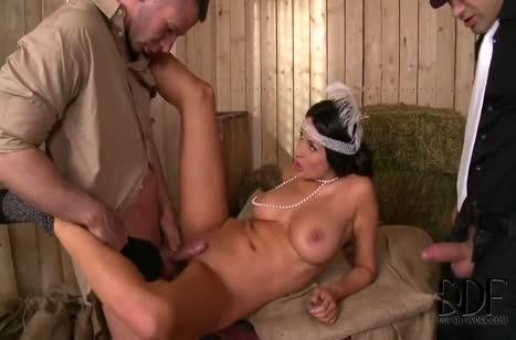 Скриншот Зачетное анальное порно с фигуристыми милахами №3959 3