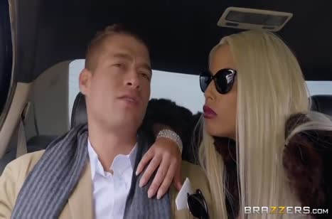 Скриншот Смачный перепихон с фигуристыми блондиночками №3512 1