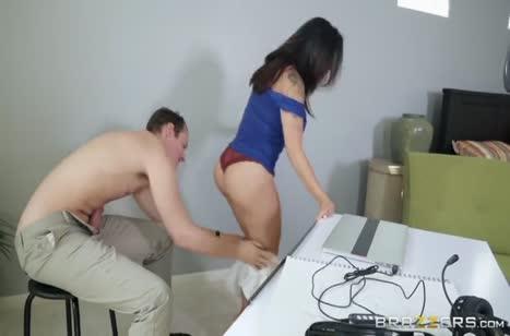 Скриншот Развратное порно милашек с большими сиськами №4709 3