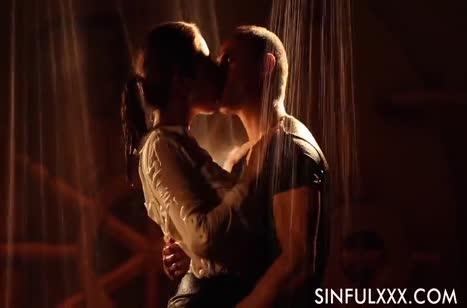 Скриншот Девочки наслаждаются нежной романтической порнушкой №2696 1