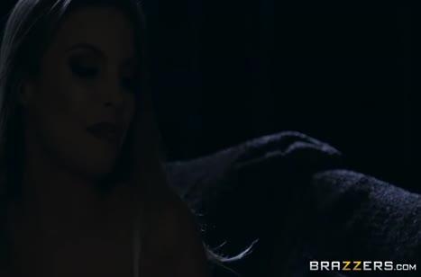 Скриншот Красивые милфы на всю катушку кувыркаются в постели №1721 1