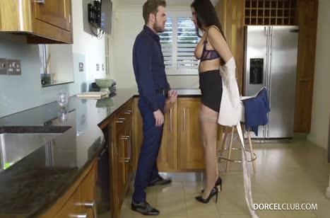 Порно на телефон с грудастыми мамками №4243 бесплатно