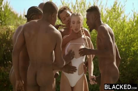 Скриншот Темнокожие самцы смачно трахают телок огромными болтами №2530 1