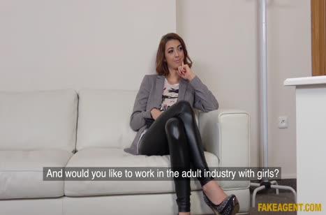Хорошо присунул сексуальной девочке от первого лица №2065