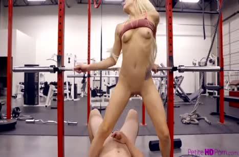 Скриншот Спортсменочки очень классно показывают себя в порно №2086 4