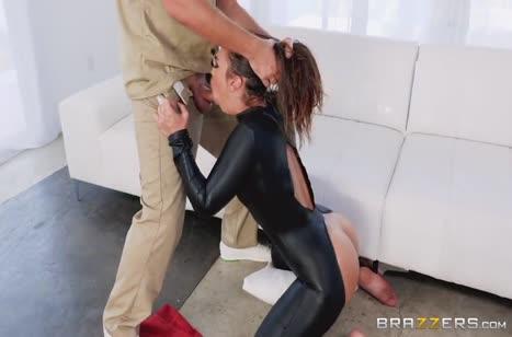 Скриншот Скачать порнушку в латексе №2314 бесплатно и без ограничений 2