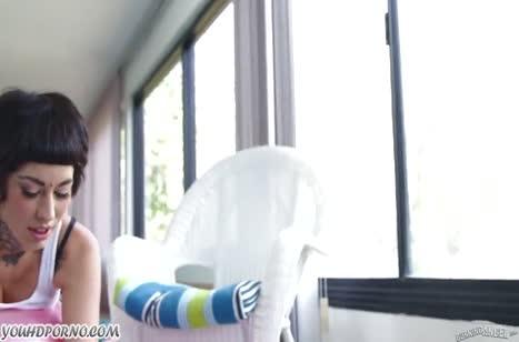Скриншот Сексуальная попка в лосинах нашла себе член по размеру №2996 1