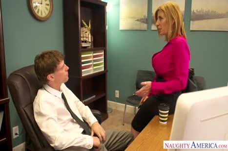 Скриншот Сотрудники снимают стресс сексом прямо на работе №4527 1