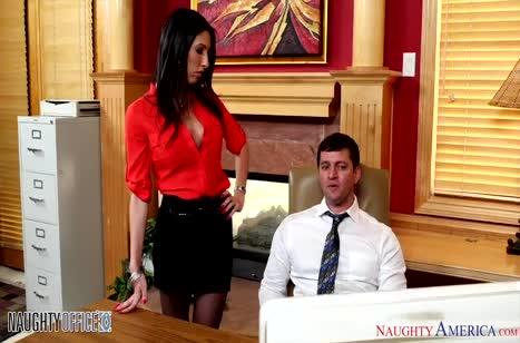 Скриншот Сотрудники снимают стресс сексом прямо на работе №4544 1
