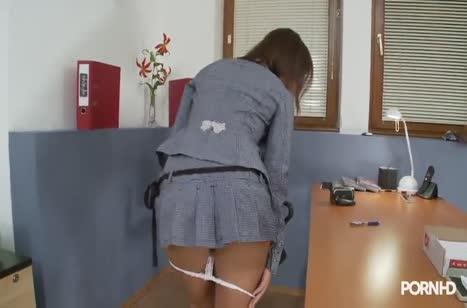 Скриншот Скачать порно видео с коллегами в офисе №4817 3